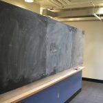 Hjärtat i varje universitet under 1900-talet var den svarta tavlan. Men är det fortfarande höjden av undervisningsteknologi?